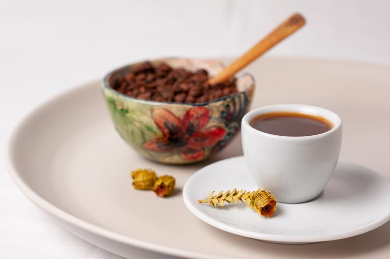 Taza de café con cuenco grano 3